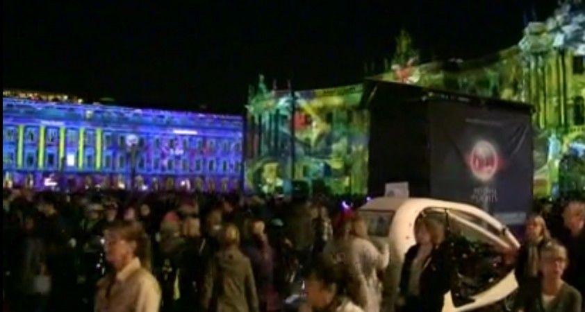 Berlin Işık Festivali, renkli görüntülere sahne oldu