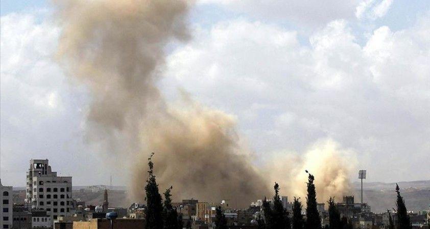 Yemen'de askeri üsse düzenlenen saldırıda 40 asker öldü