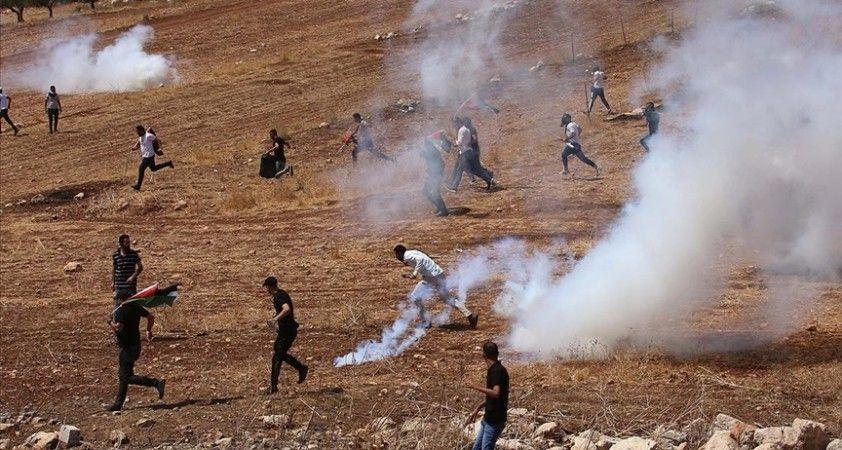 İsrail güçleri Yahudi yerleşim birimi karşıtı gösterilere müdahale ederek 12 Filistinliyi yaraladı