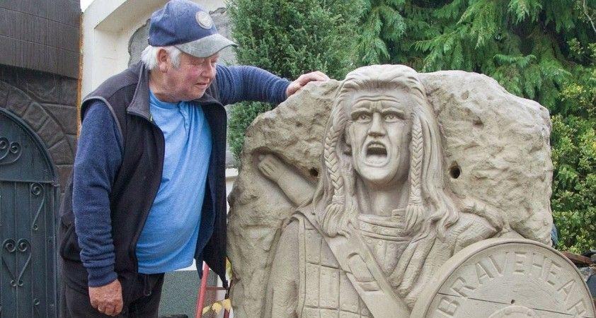 İskoçya'da 'Cesur Yürek' heykeli sosyal medyada alay konusu oldu