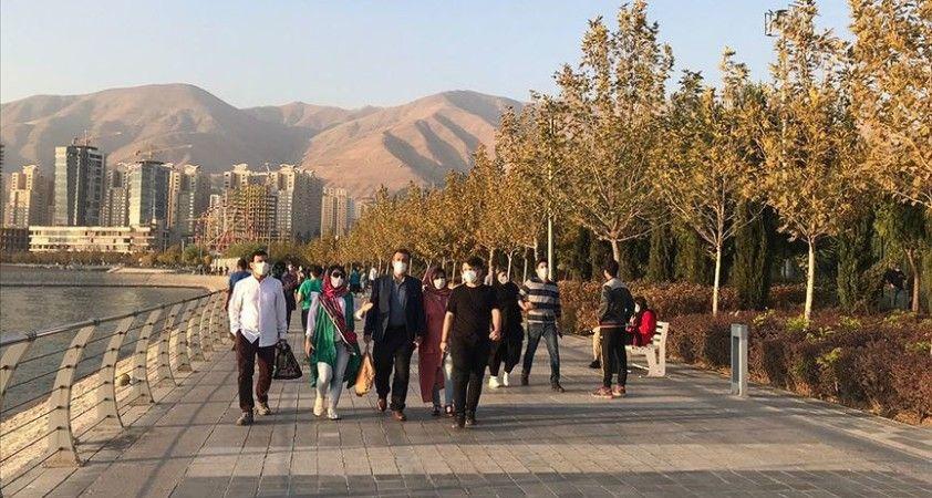 İran'da son 24 saatte 434 kişi Kovid-19'dan hayatını kaybetti
