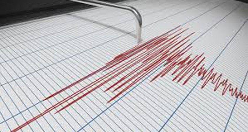 Endonezya'da 6.2 büyüklüğünde deprem oldu