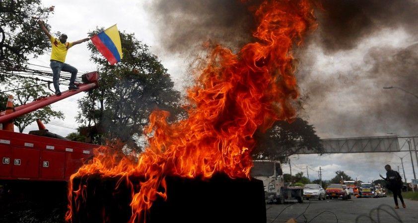 Kolombiya'da vergi reformu protestolarında ölü sayısı 19'a yükseldi