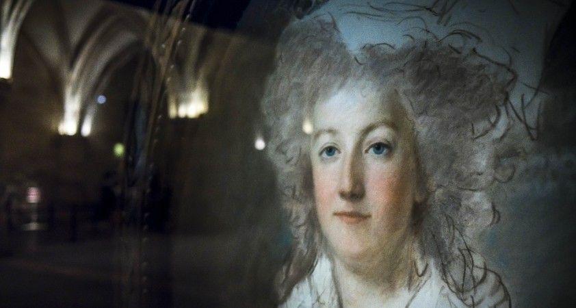 Marie-Antoinette'e ait elmasla kaplı 2 bilezik açık artırmaya çıkarılacak