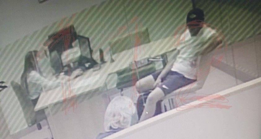 Rusya'da banka şubesine giren saldırgan, 3 kişiyi rehin aldı