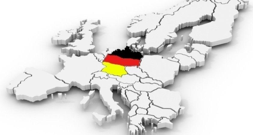 Almanya'da 9 eski asker hakkında 'göçmenlere saldırı' şüphesi ile soruşturma açıldı