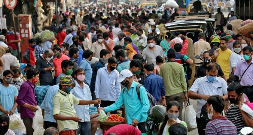 Hindistan'da binlerce kişiyi tuzlu su ile aşılayan 14 kişi tutuklandı
