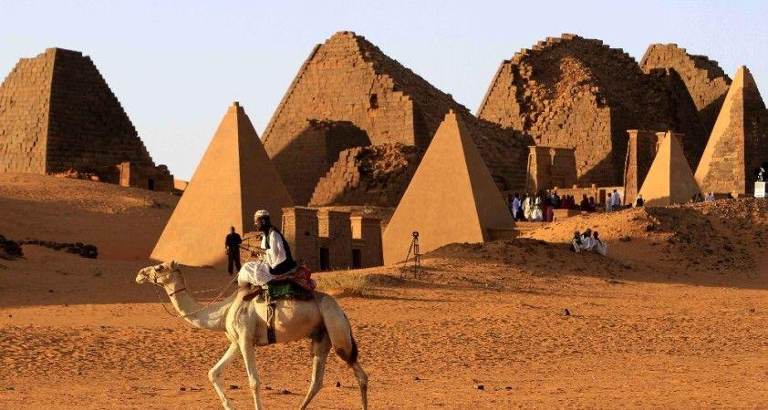Sudan'daki sel felaketi piramitleri tehdit ediyor