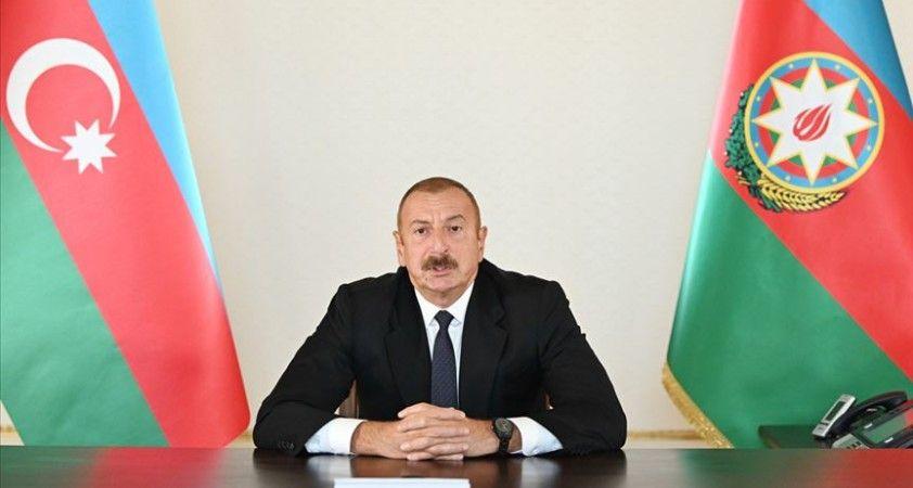 Aliyev: Sorun, Azerbaycan ile Ermenistan dışına çıkamaz