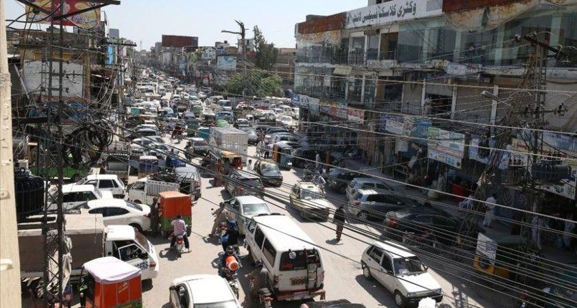 Pakistan'da Kovid-19 vaka sayısı 45 bini aştı