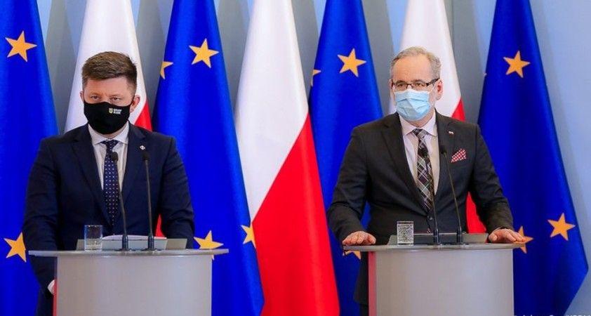 Polonya'da korona virüsün Güney Afrika mutasyonu görüldü