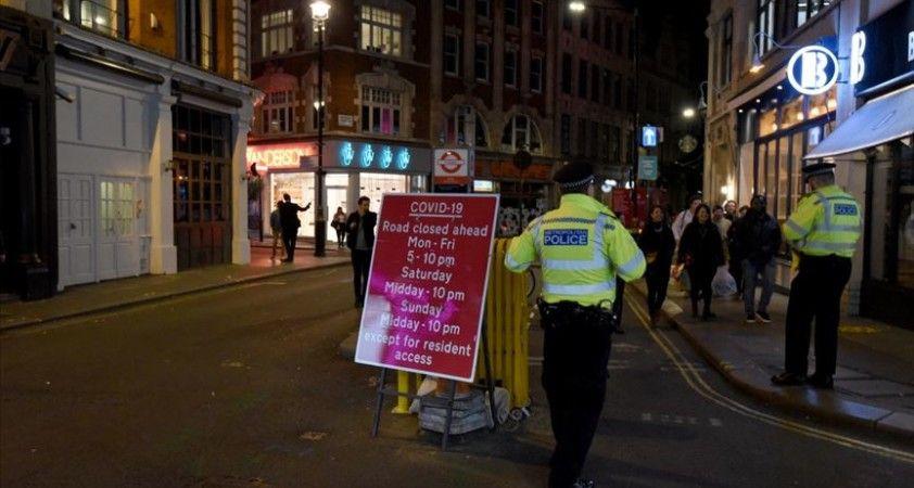 İngiltere'de Kovid-19 salgınında son 4 ayın en yüksek günlük ölü sayısı açıklandı
