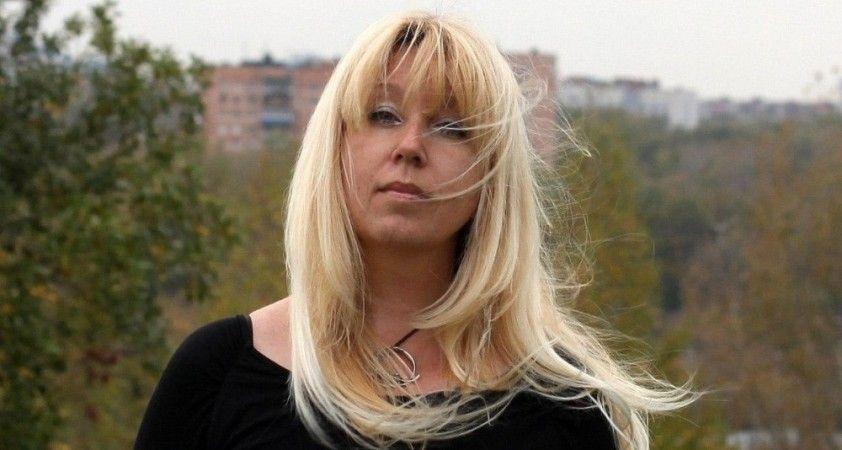 Rusya'da evine baskın yapılan gazeteci kendini ateşe verdi