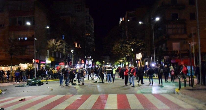 Arnavutluk'ta gergin protestolar devam ediyor