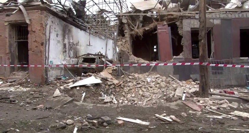 İHA Ekibi Ermenistan'ın roketle vurduğu Gence'de