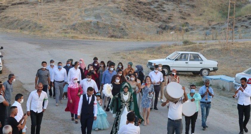 Kırşehir'de düğünler koronavirüs vakalarını artırdı