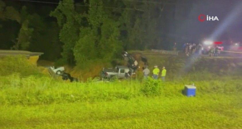 ABD'de şiddetli yağış sonrası yol çöktü: 2 ölü, 10 yaralı