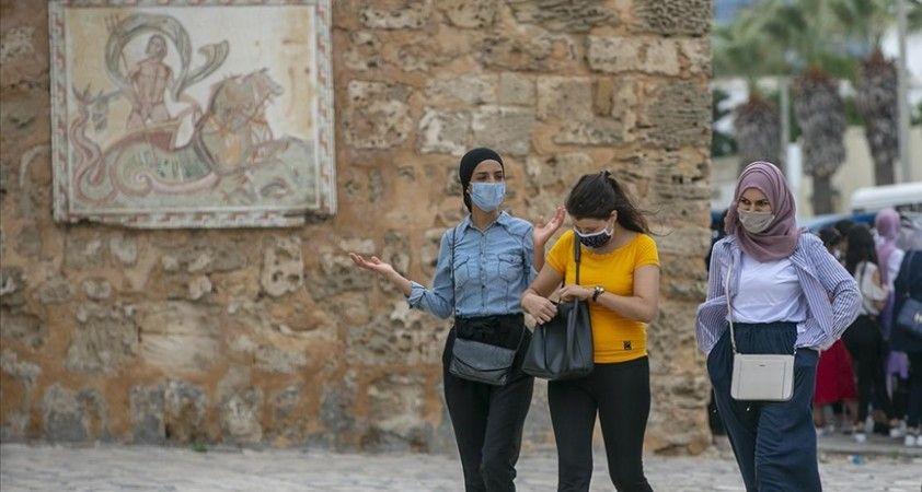Tunus'ta koronavirüsle mücadele kapsamında alınan kısmi sokağa çıkma yasağı iki hafta daha uzatıldı