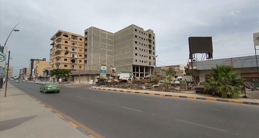 Libya'nın Bingazi kentinde yaşanan güvenlik ihlalleri, kentteki kabileleri Hafter'le karşı karşıya getiriyor