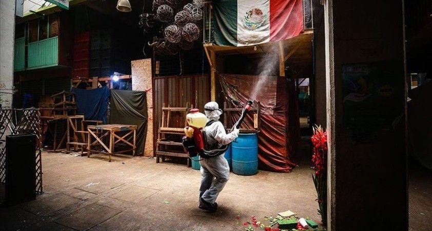 Meksika'da Kovid-19 nedeniyle son 24 saatte 424 kişi öldü