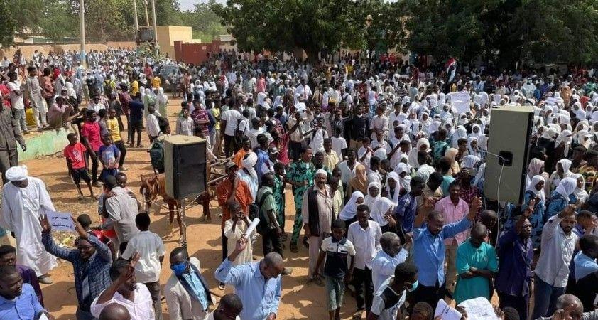 Sudan'da hükümet karşıtı protestoya güvenlik güçlerinden sert müdahale: 23 yaralı