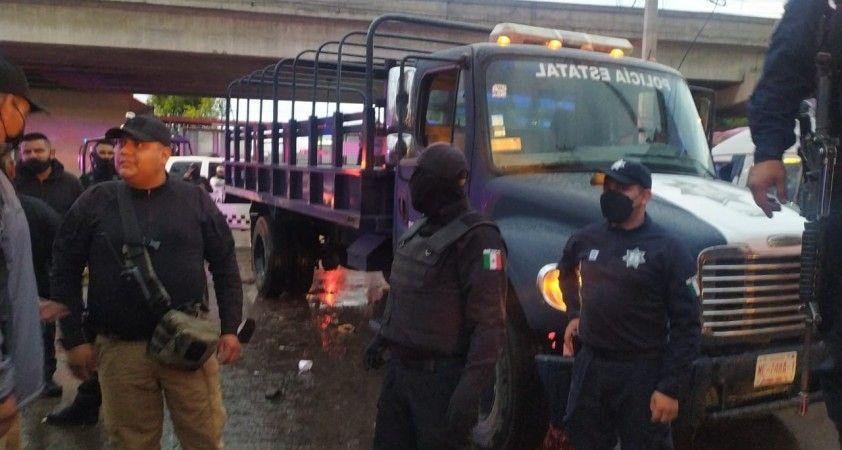 Meksika'daki selde 2 kişi öldü