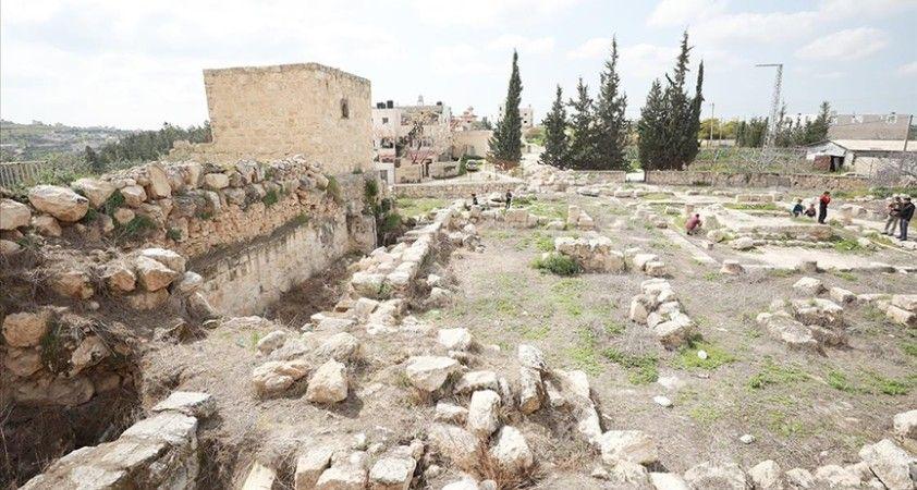 Filistin'deki Roma dönemine ait El-Murak Sarayı Yahudi yerleşimcilerin ihlallerine maruz kalıyor