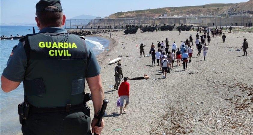 İspanya, Fas'tan gelen 6 bin düzensiz göçmenden 2 bin 700'ünü geri gönderdi