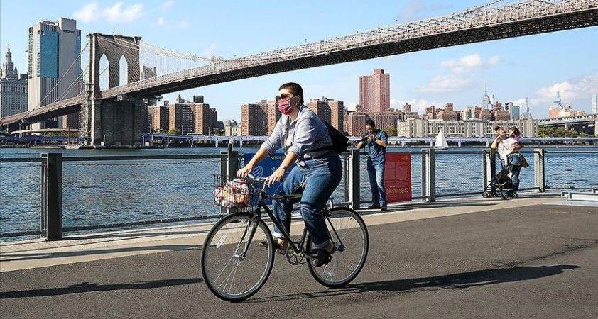 New York'ta Kovid-19 nedeniyle iki kez ertelenen okullar açıldı