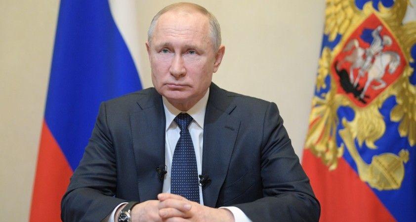 Putin'den Lukaşenko'ya 1,5 milyar dolarlık destek