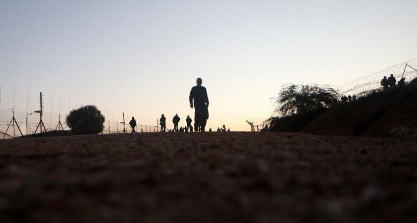 Filistinli işçilerin, Geçişlerin kapatılmasıyla iş yerlerine ulaşmak için verdiği zorlu mücadele