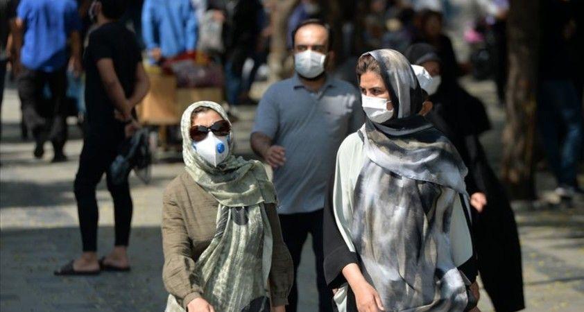 İran'da son 24 saatte 235 kişi Kovid-19'dan hayatını kaybetti