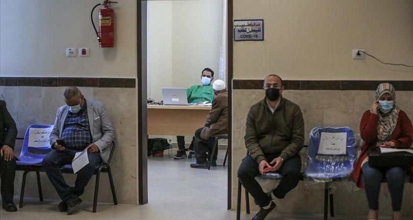 Gazze'de Kovid-19 aşısı önündeki engeller: Miktar yetersizliği ve güven sorunu