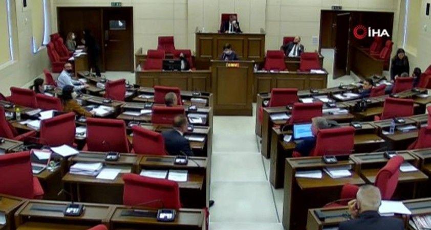 KKTC'deki deprem iki Meclis'te de hissedildi