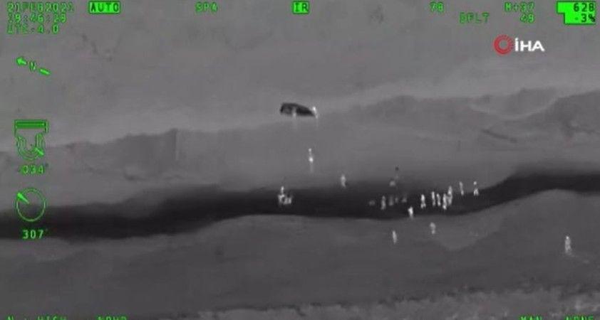 ABD'de göçmeleri taşıyan teknenin alabora olduğu anlar kamerada