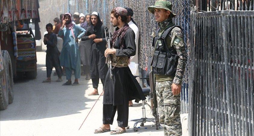 Pakistan'dan 'Afganistan sınırındaki her türlü duruma hazırız' mesajı