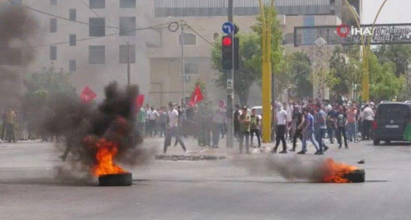 El Halil'de, İsrail güçleri ile Filistinliler arasında çatışma çıktı