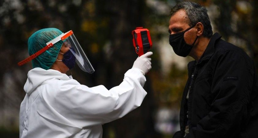 Dünya genelinde Kovid-19 tespit edilen kişi sayısı 49 milyon 669 bini geçti