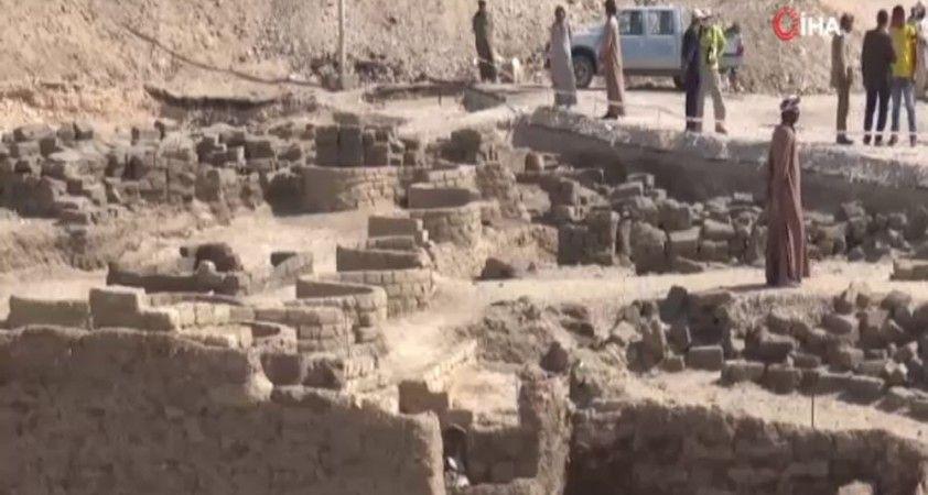 Mısır'da keşfedilen 3 bin yıllık Kayıp Altın Şehir'de çalışmalar sürüyor