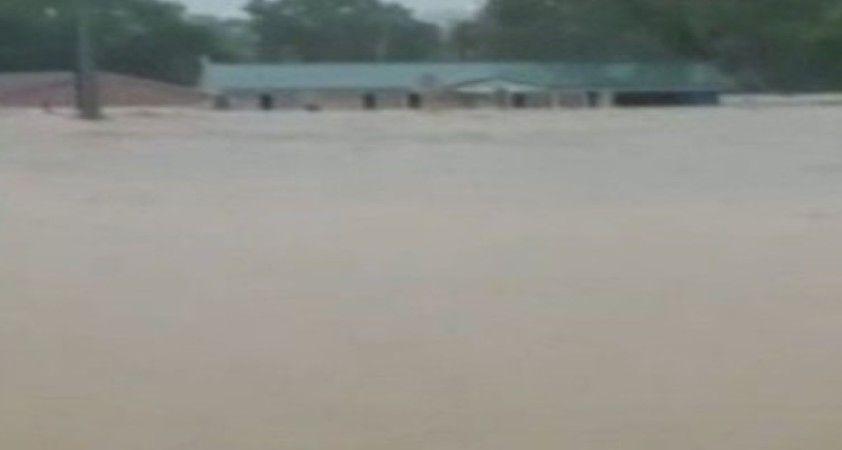 ABD'de sel felaketi: 10 ölü, 31 kayıp