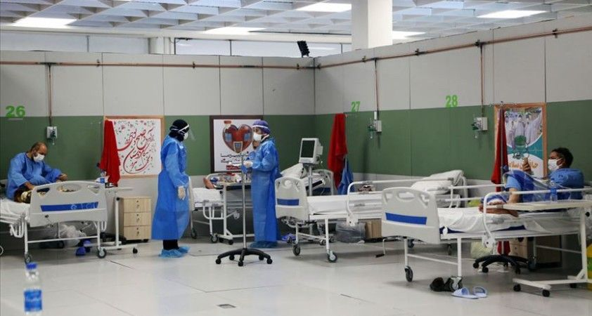 İran'da son 24 saatte 129 kişi Kovid-19'dan hayatını kaybetti