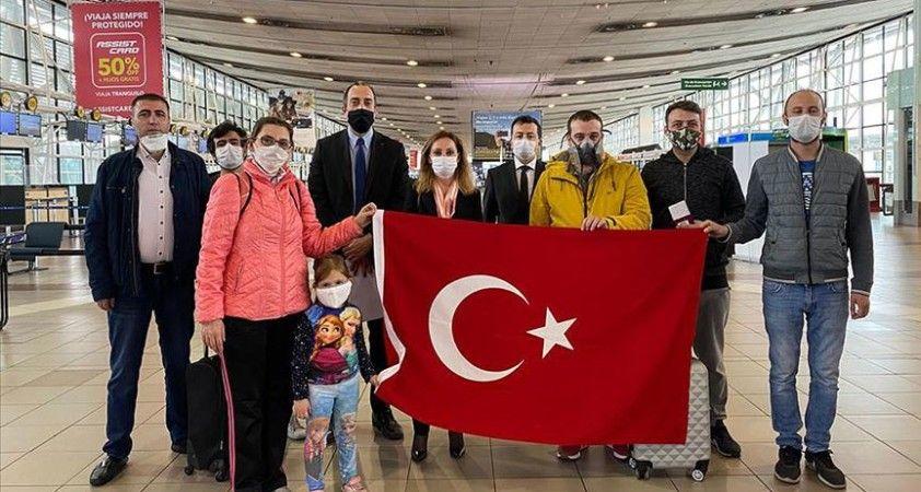Şili'de mahsur kalan 8 Türk vatandaşı yurda dönüyor