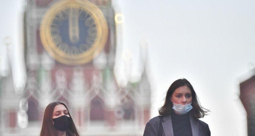 Rusya'da günlük koronavirüs vaka sayıları düşüşte