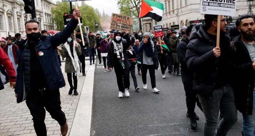 İsrail'in Filistinlilere yönelik saldırıları Londra'da protesto edildi