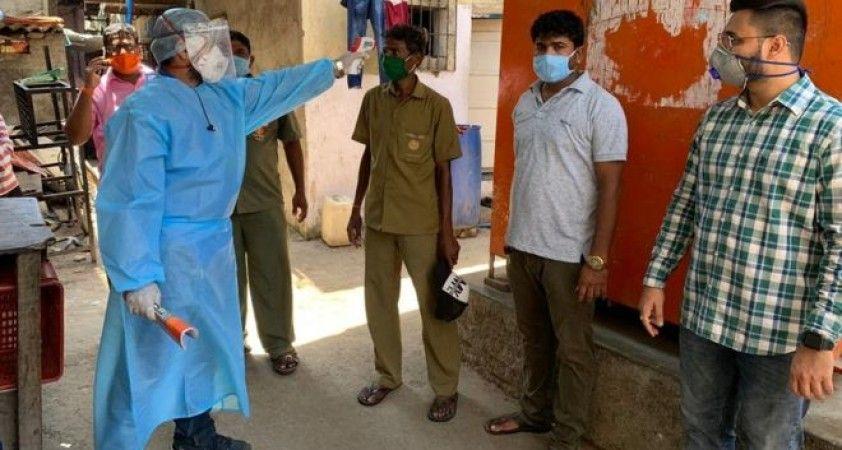'Mumbai'de yoksul mahallelerde yaşayanların çoğu virüse yakalandı'