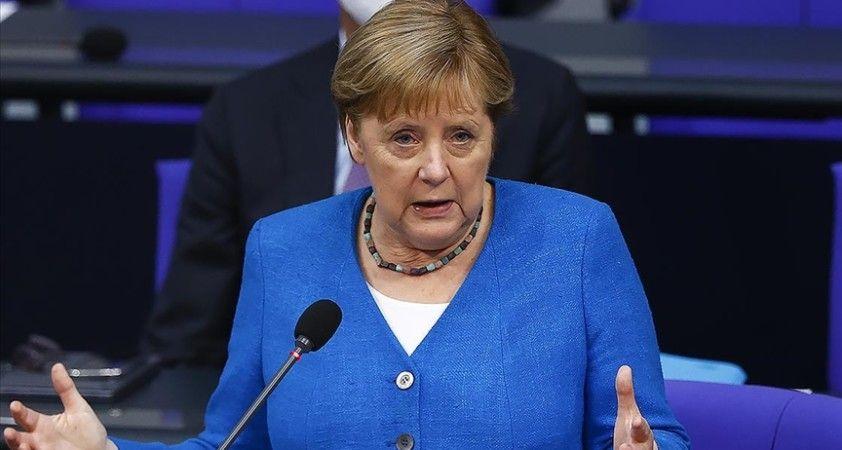 Almanya Başbakanı Merkel, halkı Kovid-19 salgınında tedbirli davranmayı sürdürmeye çağırdı: Salgın henüz bitmedi