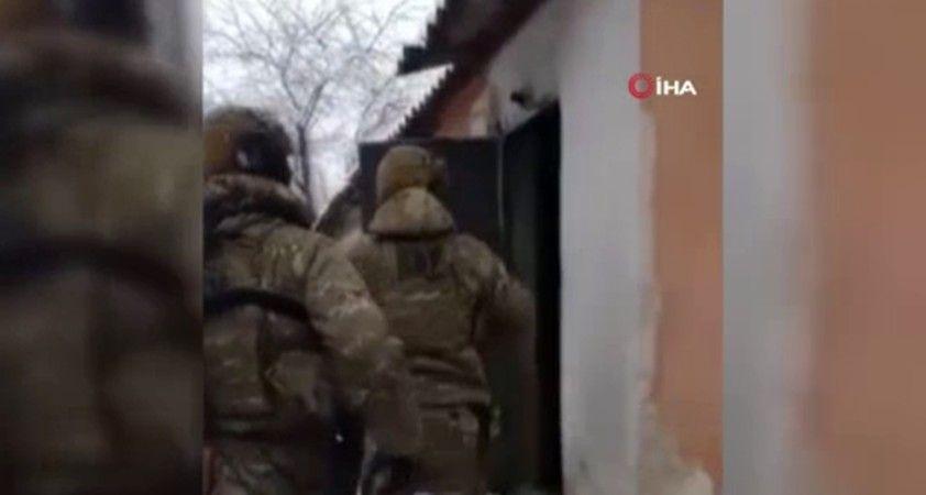Ukrayna'da tıp eğitimi veren kolejde uyuşturucu üreten öğretmenlere suçüstü