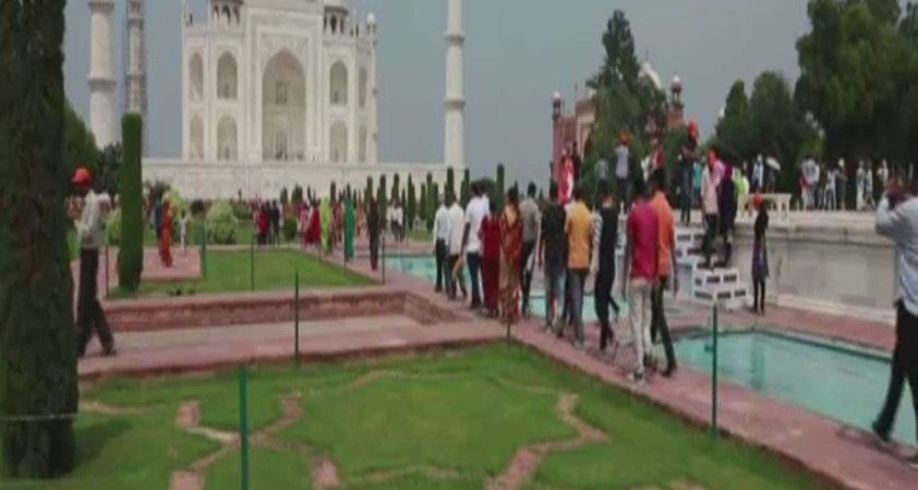 Tac Mahal ziyarete açıldı