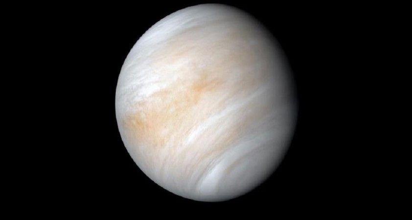 Venüs'te Dünya'daki kıtaların hareket etmesine benzeyen jeolojik aktivite belirtileri tespit edildi