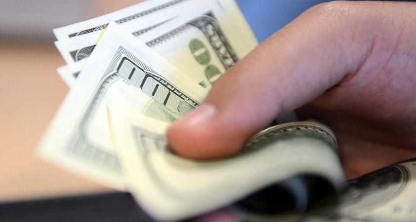 3 günde döviz mevduatı 2.1 milyar dolar arttı